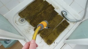 How to clean out an external canister fish tank filter for How to clean fish tank filter